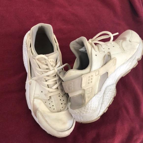 Nike Shoes | Huarache White Size 9